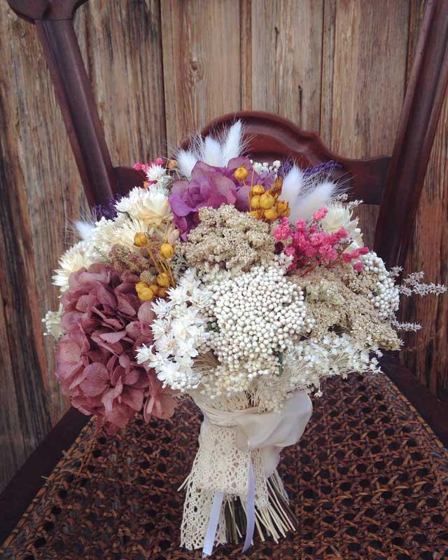 Bouquet-preservado-Ramo-flor-seca-hortensia-preservada-lilas-rosas-blancos1
