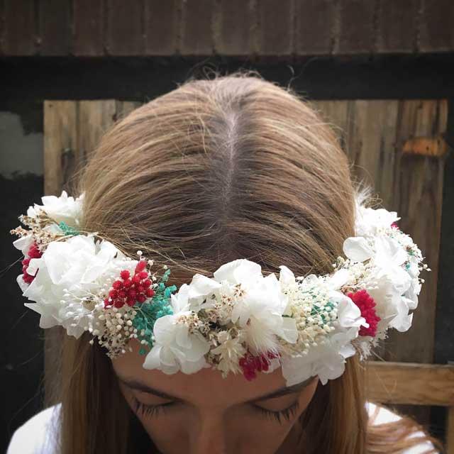 Coronas de flor seca y preservada para novias y ocasiones especiales.
