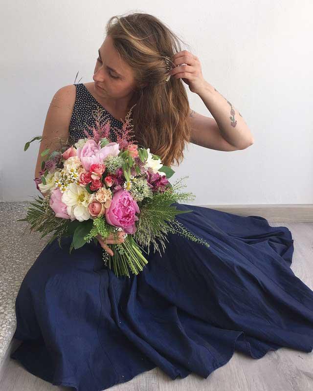 Precioso ramo bouquet novia colores alegres veraniegos primaverales