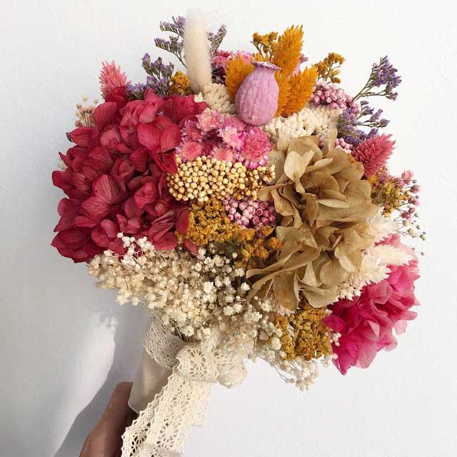Bouquet, ramo de flor seca y preservada, en tonos rosados y ocres, para novias, venta online