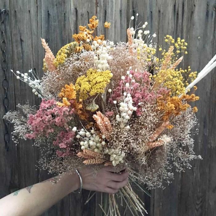 Bouquet de flores secas y preservadas en tonos otoñales, venta online para toda España.