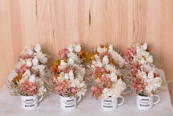 Tazas decorativas con flor seca y preservada, para eventos, en Badalona-Barcelona