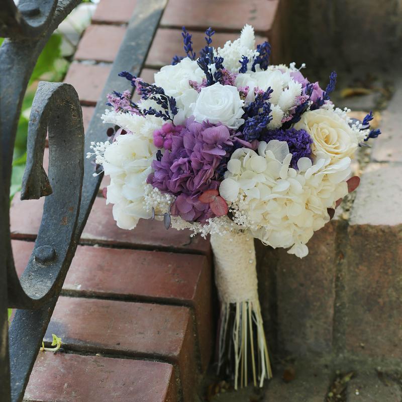 Ramo De Novia Con Flores Preservadas Tonos Lilas Y Blancos Con