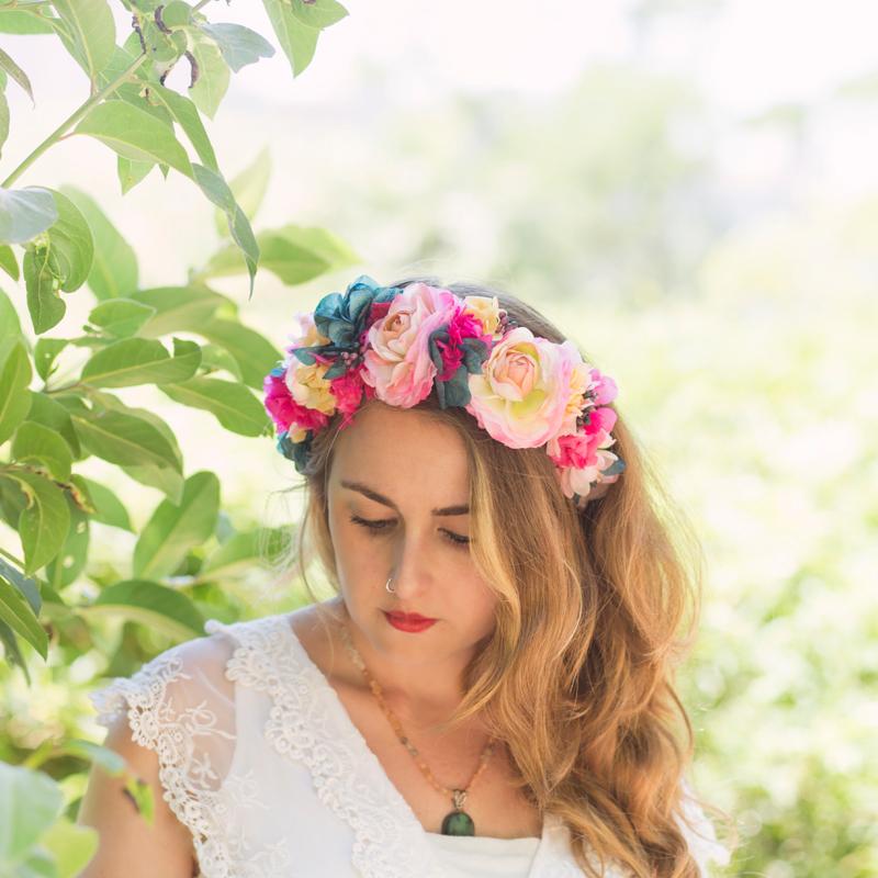 Coronas y diademas florales para bodas