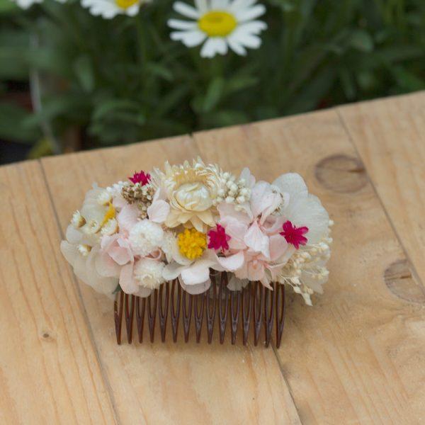 Peineta con flor seca y preservada para novias