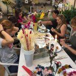Taller de coronas con flor seca y preservada, en Badalona-Barcelona