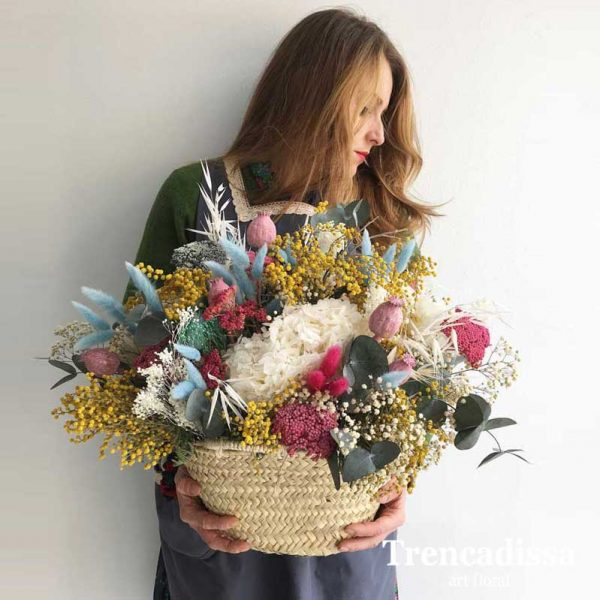 Capazo con flor seca y preservada venta online Barcelona