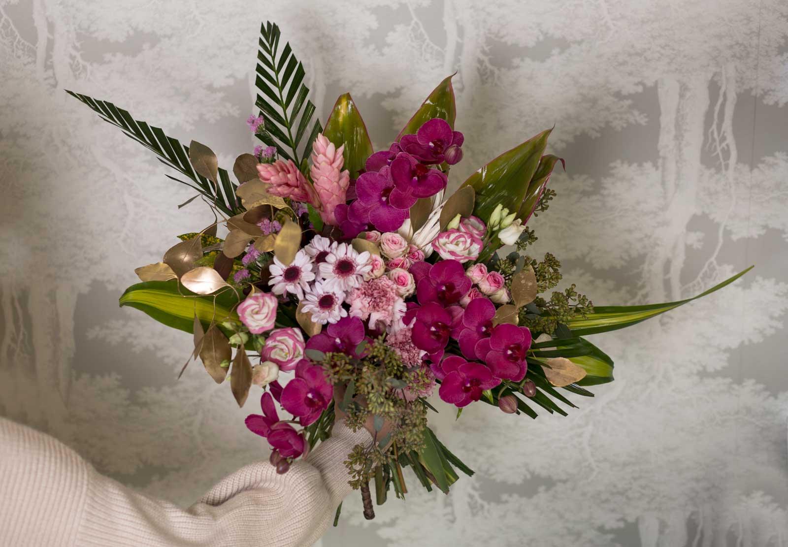 Trencadissa, servicios florales para empresas y comercios, cambia las flores cada semana