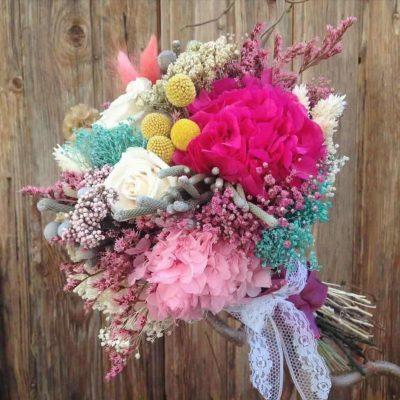 Ramos de novia con flor seca y preservada en tonos variados