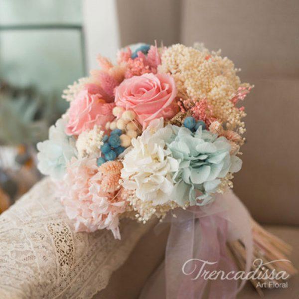 Ramo de novia con flor seca y preservada, flor variada, en tonos empolvados