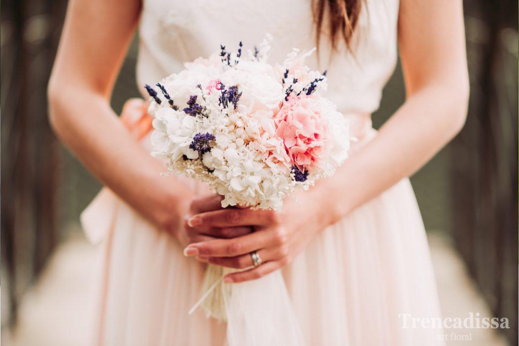 Coronas, tocados, prendidos, ramos, todo para tu boda, flores secas y preservadas o naturales.