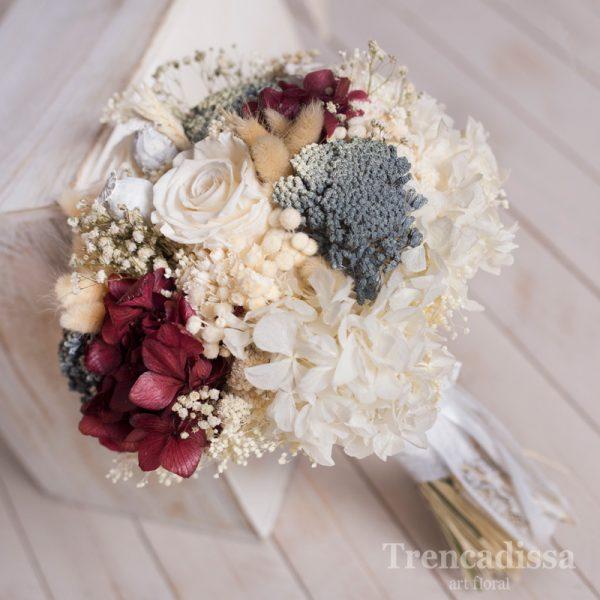 Violette, ramo de novia en blancos y granates