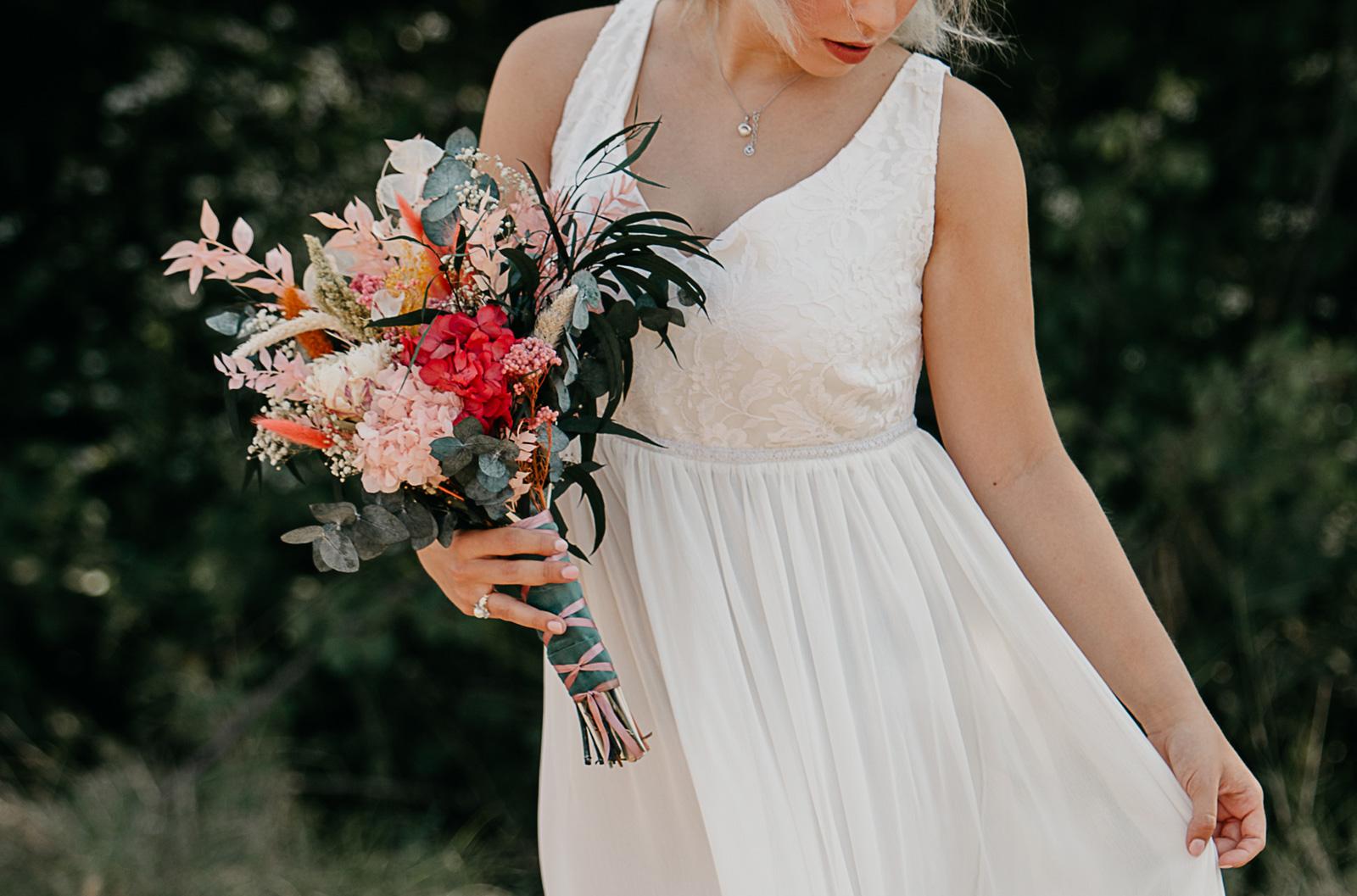 Trencadissa, rams de novia con flores naturales, te asesoramos y los diseñamos a medida