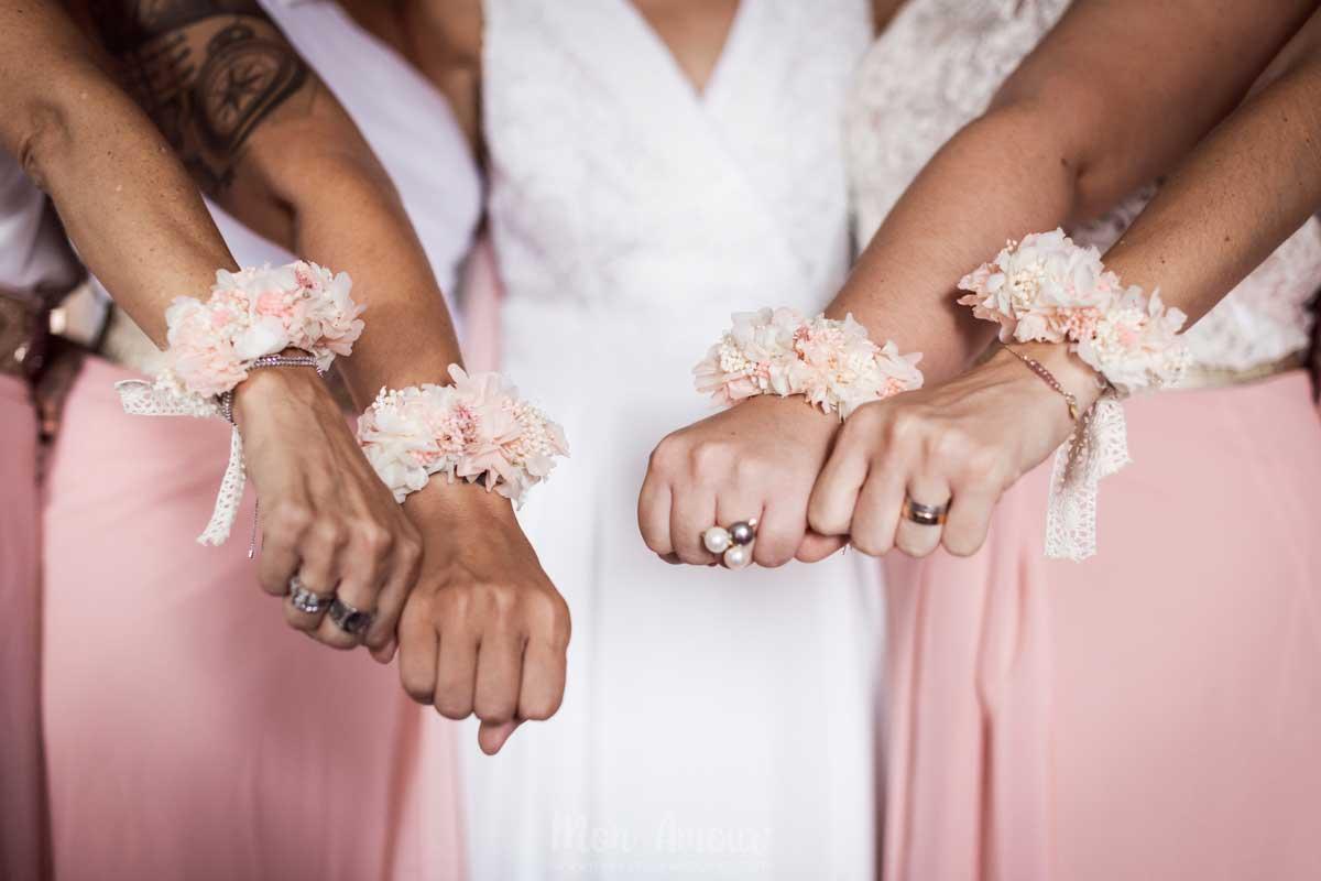 Brazaletes de flores para boda