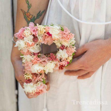 Letras con flor seca y preservada para eventos en floristería Badalona-Barcelona, venta online