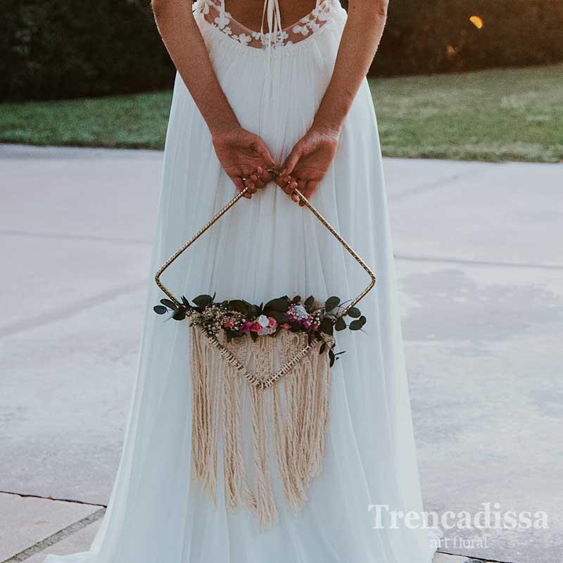 Ramo de novia original con flor seca y preservada y macramé