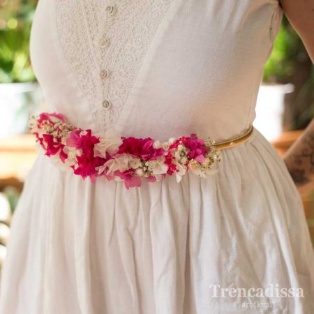 Cinturón con flor preservada