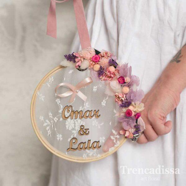 Tambor con flor preservada para alianzas de boda