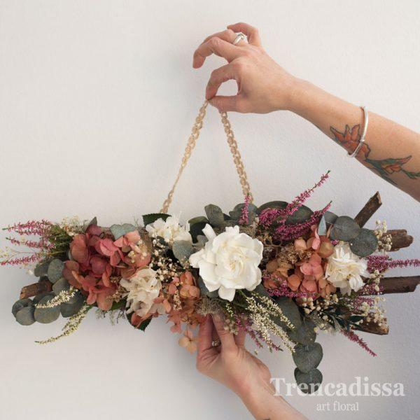 ecoración floral otoñal preservada para Navidad