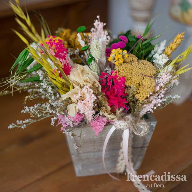 Centro de madera con flores secas y preservadas, venta online desde Barcelona
