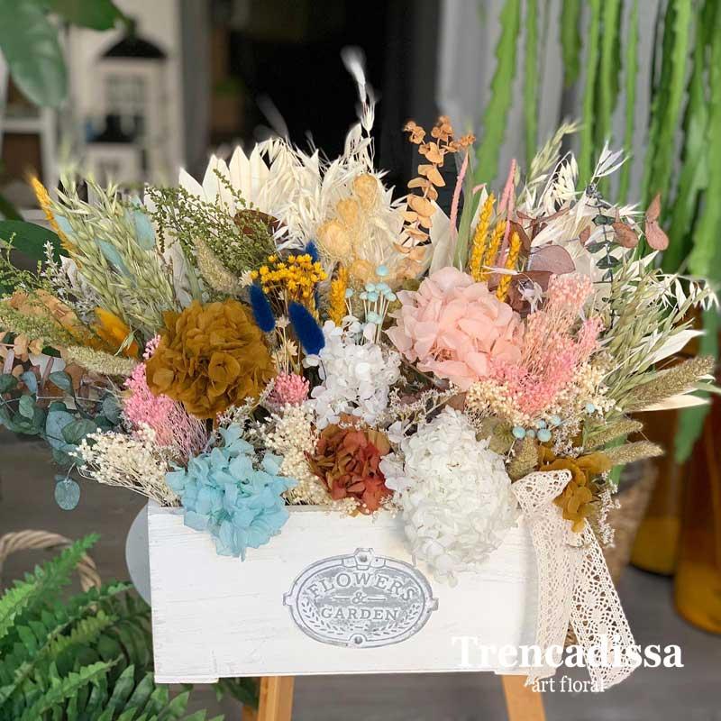 Caja de madera con flor seca y preservada venta online desde Badalona
