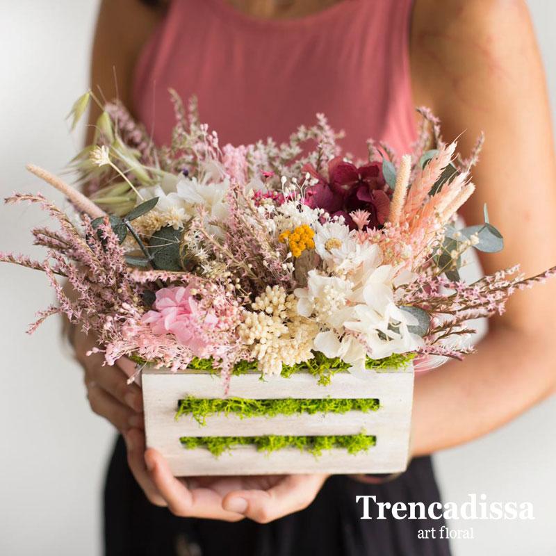 Caja de madera con flores secas y preservadas venta online