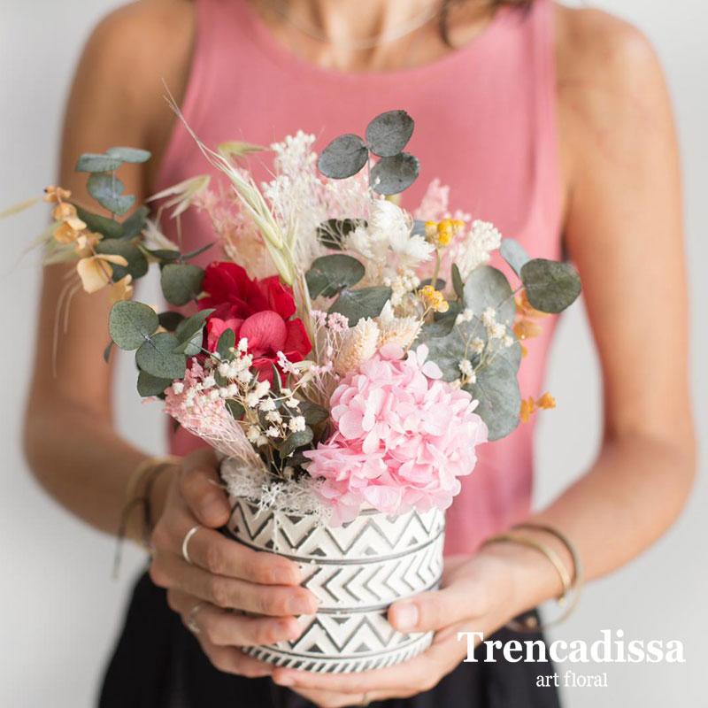 Centro de cemento con flores secas y preservadas, venta online para toda España