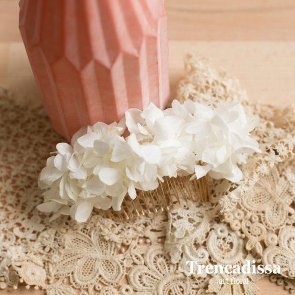 Peineta con hortensia blanca