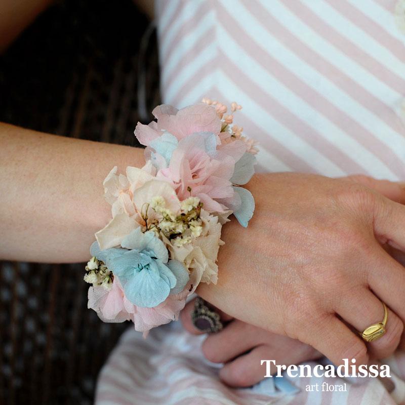 Pulseras con flor seca y preservada para bodas y eventos