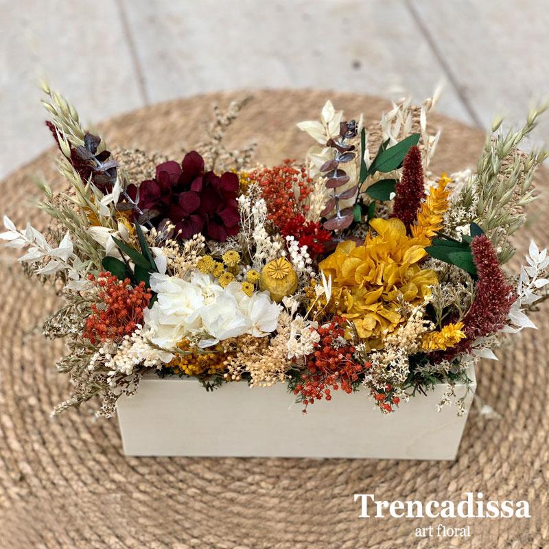 Cajas con flor seca y preservada en ocres y granates