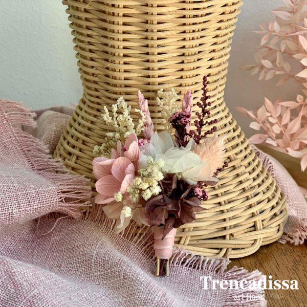 Prendido de boda en blanco, rosa y burdeos
