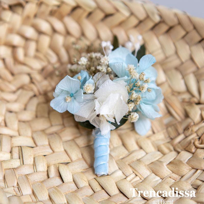 Prendidos de boda en tonos azules y blancos