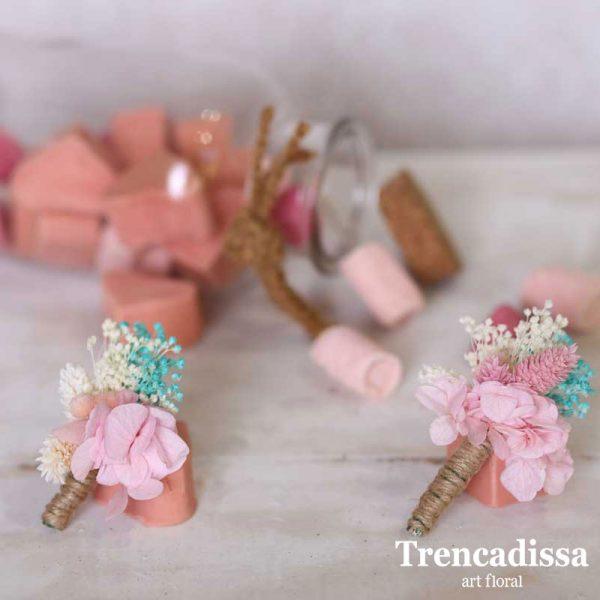 Prendidos en rosa y azul