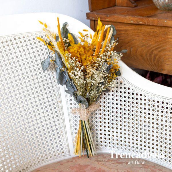 Ramo decorativo con flor seca y preservada en tonos ocres