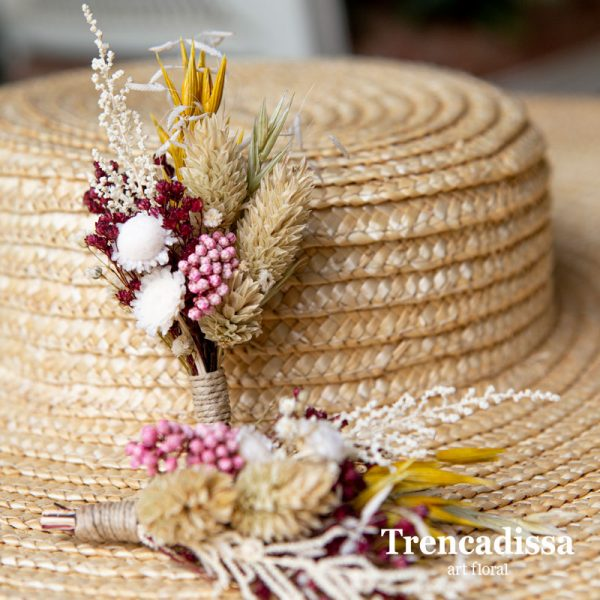 Prendidos para boda en blanco, beige, rosa, burdeos y ocre