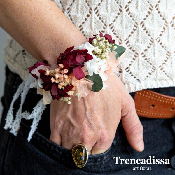 Brazalete floral o corsage para bodas y eventos